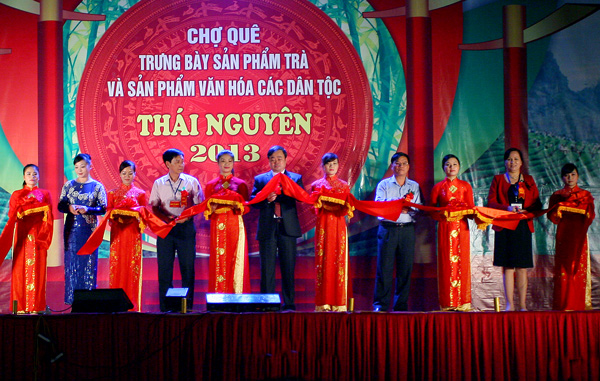 Tổ chức Chợ Quê - Ẩm Thực & Du Lịch Trong Liên Hoan Festival Quốc Tế Trà Thái Nguyên lần thứ 2 năm 2013